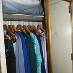 Plenty of space in the closets and drawers #6137