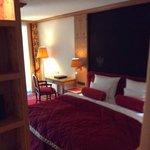 Bed of deluxe junior suite 625