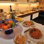 Dom Hotel Fruehstuecksbuffet