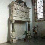"""Monument """"Della Torre"""" par Cazzaniga (1483)"""