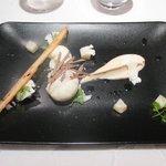 Œuf coque de la ferme de « Maéva », Truffe blanche d'été, céléri et chou-fleur