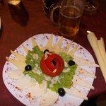 piatto misto di formaggi