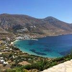 De baai van Aegiali