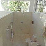 The Cube - bathroom