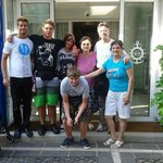 foto ricordo con i proprietari dell'hotel Amedeo