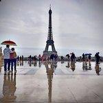Eifel tower raining