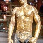 La estatua viviente !!