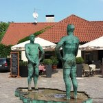 The Peeing Statues
