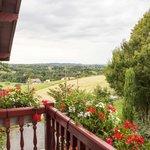 Balcon avec vue sur les champs