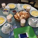 Завтрак. Hostal La Foyer