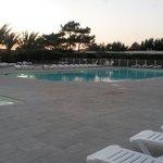 Soleil couchant sur la piscine