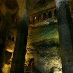 Rez de chaussée Eglise et ses enormes piliers