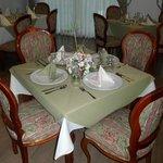Disfrute de sus platos favoritos en un ambiente elegante