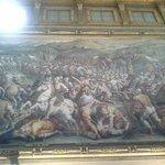 No Salão dos Quinhentos uma bela pintura representando uma grande batalha!