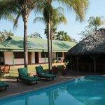 de kamers en zwembad