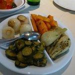 de bijbestelde warme groenten bij hoofdgerecht van ons 2