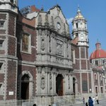 Fachada da basílica antiga