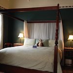 King bed in Room 6