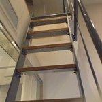Escada de acesso ao Loft do quarto (vista de baixo para cima)