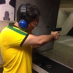 Atirando com um Glock .45