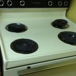 outdated electric stove, burners dont even seat in place