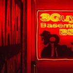 3 Guys Basement BBQ Foto