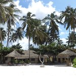 Photo de Family Beach Bungalows