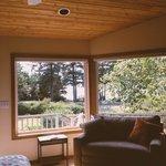 Foto de Floras Lake House Bed & Breakfast