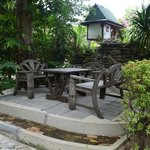 place to sit & rekax in the garden