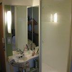 Zona de la ducha - lavabo