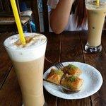 사진 잘찍어주시구ㅎㅎ친절하구 프라페랑 아이스커피 맛있어요!!