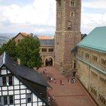 Binnenplaats Wartburg met Noordelijke toren.