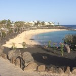 Flamingo Beach 2 mins away
