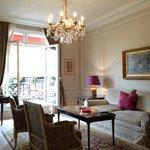 Salon avec accès Balcon-Terrasse