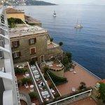 Hotelterrasse von unserem Balkon
