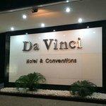 Entrada do Hotel Da Vinci