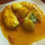 Filetto di dentice su salsa allo zafferano e patate