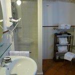 Trullo suite bathroom