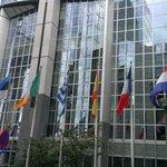 Bandeiras dos países que formam a União Européia.
