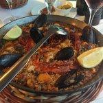 Поэлья с морепродуктами