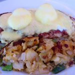 Irish eggs benedict w/corned beef hash