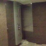 Chambre 405 - grande douche