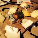 Tabla de quesos, lo único que gustó en nuestra mesa.