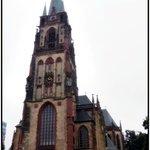 Католический собор (неподалёку от Старого города)