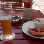 cerveza y salchichas