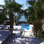 Hotelbar und Pool