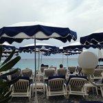 пляж Лидо, напротив отеля