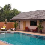 Bungalow & Pool