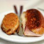 Ham n cheese breakfast toasties