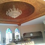 Le plafond de l'hôtel